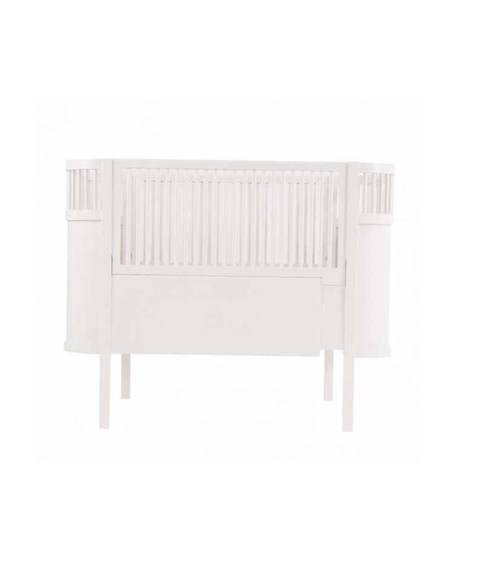 cuna infantil para habitaci n en blanco fabricada en